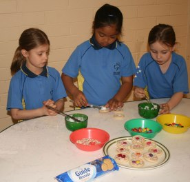 Decorating Guide Biscuits at the hall